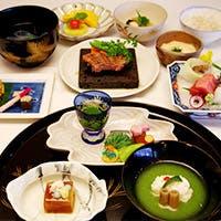 日本の四季を料理で味わう伝統の美食