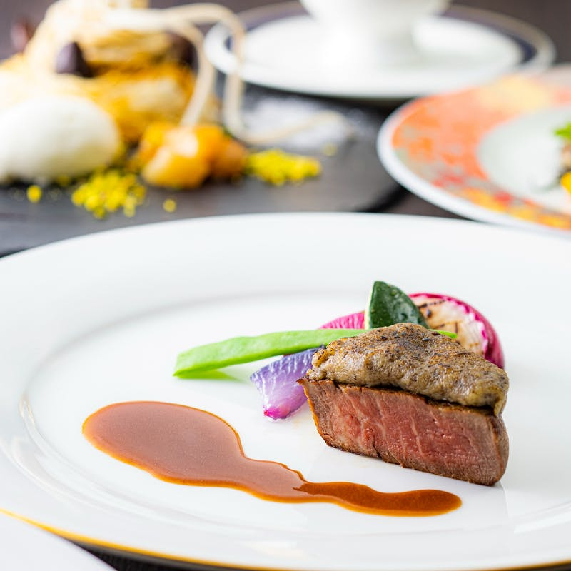 【秋の味覚ディナー】牛フィレ肉のロティ スズキのポワレ 和栗のモンブランなど 全5品
