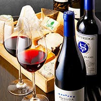 ワインとチーズを愛する大人が集う隠れ家的サロン