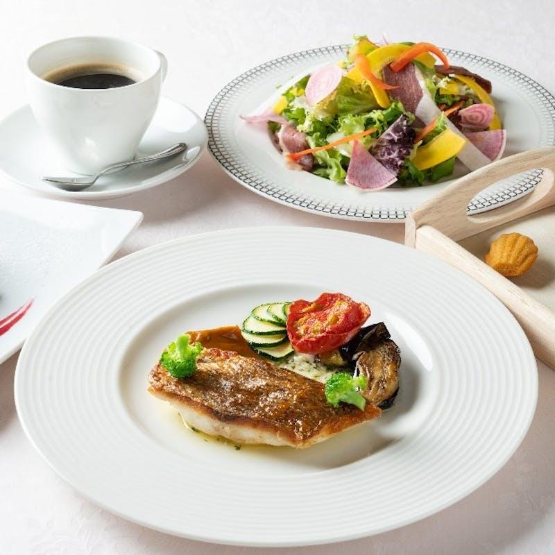 【選べるメインランチ】鮮魚のポワレorイベリコ豚ロース肉全4品+1ドリンク