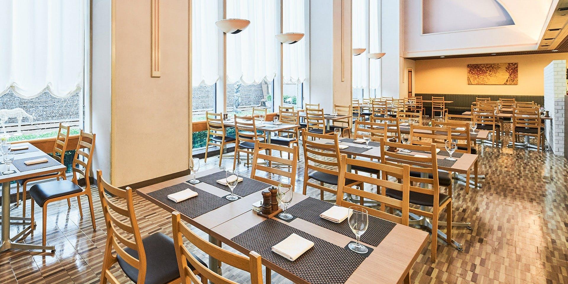 記念日におすすめのレストラン・レストランオーロラ/ホテル東京ガーデンパレスの写真1