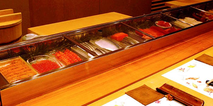 記念日におすすめのレストラン・鮨割烹 〇嘉の写真1