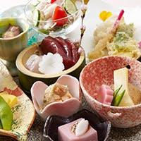 通年で仕入れている良質なふぐ 季節の旬の豪華食材を使用した鮮やかな会席料理