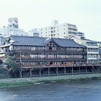 昭和初期の姿を今に残す総檜造りの料理旅館