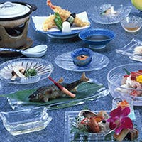 伝統を守り続け、旬の味覚を味わう京会席料理に舌鼓