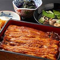 紀州備長炭でじっくりと丁寧に焼き上げた、味わい豊かな国産鰻