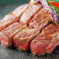 お肉は厳選黒毛和牛の雌牛A5ランク限定