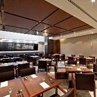 ザ ロイヤルパークホテル 京都三条 地下一階「京都洋食ムッシュいとう」