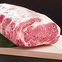 高知県産減農薬野菜や黒毛和牛、一本釣り鰹の炭火焼き等土佐に伝わる伝統料理の数々