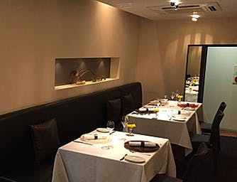 「鉄板焼 一石家」三宮の隠れ家で神戸肉ステーキ …