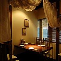 [東京駅直結・丸ビル]バリのリゾートホテルをイメージした店内~個室・半個室が充実