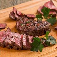 ローストビーフの名店で腕をふるった料理長が良質の肉を駆使し仕上げた肉料理