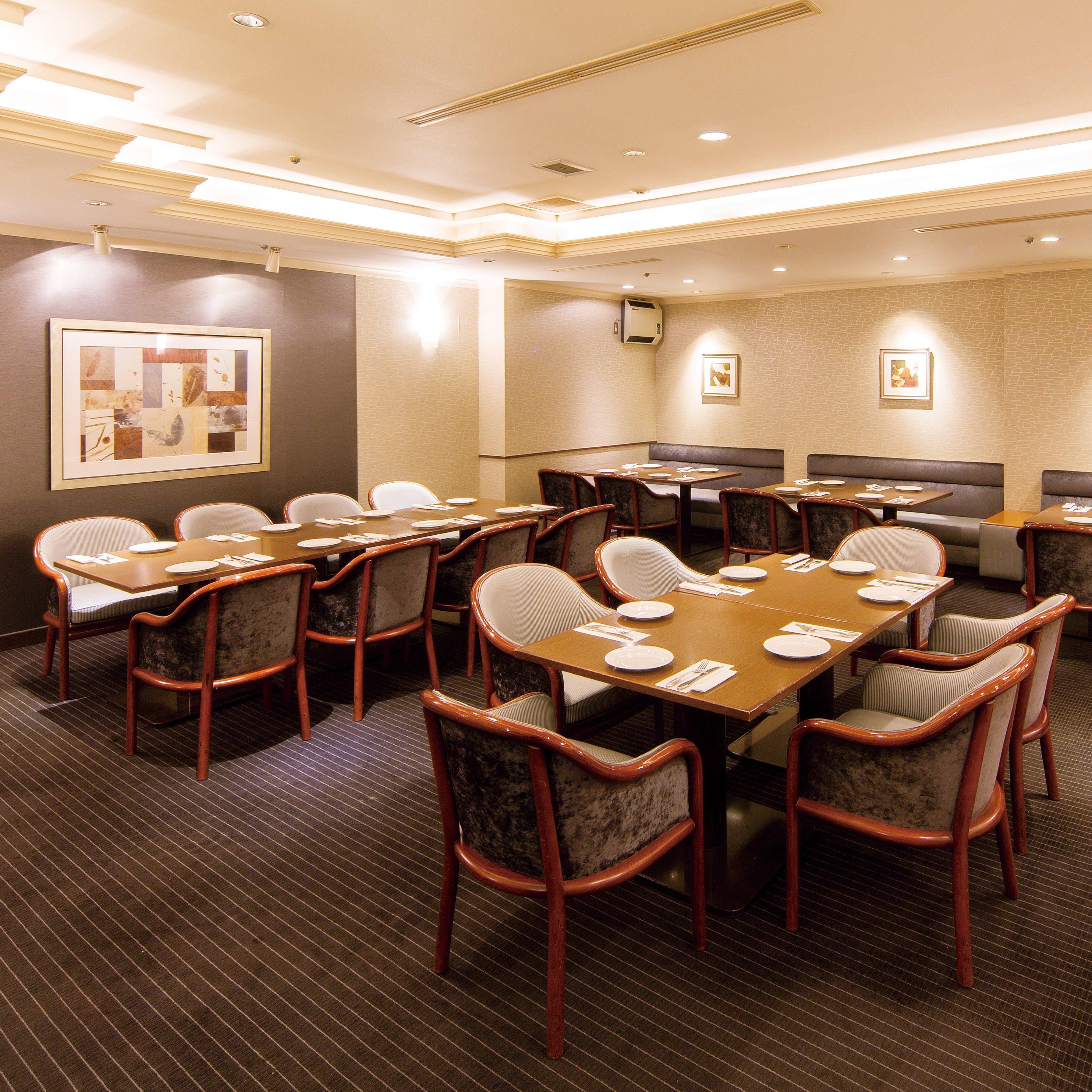落ち着いた雰囲気の大人のレストランです