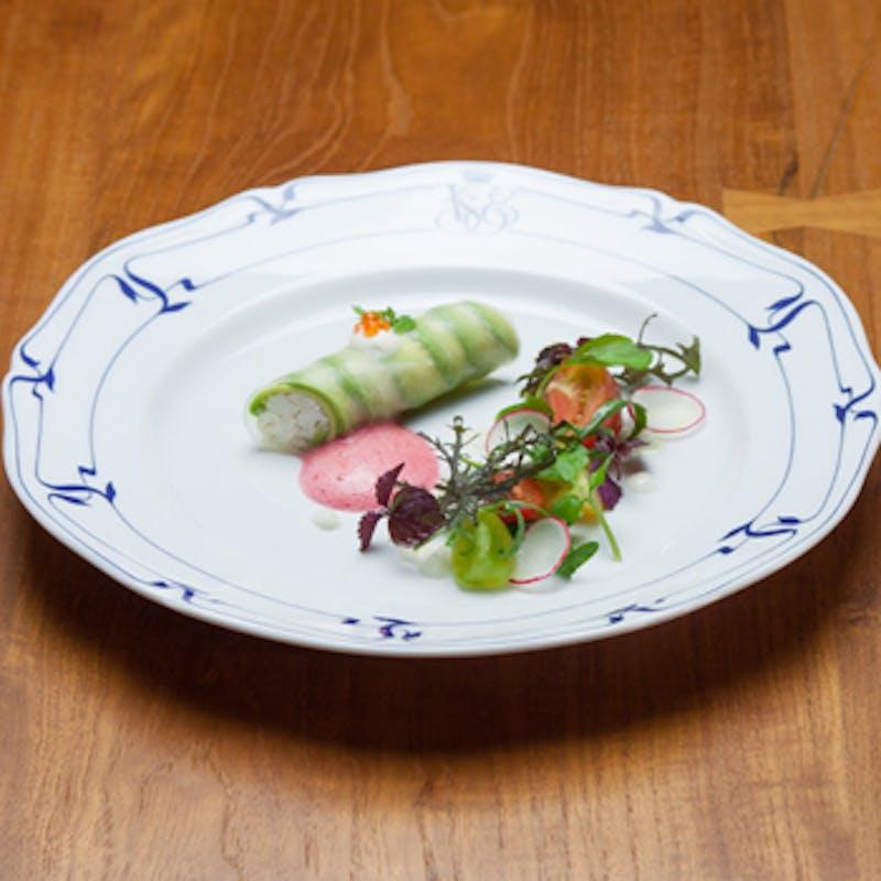 旬の厳選素材を使った季節感あふれるコース!体に優しいフランス料理を堪能する全9品