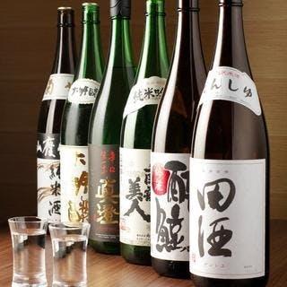 全国から集められた、選りすぐりの日本酒で一献