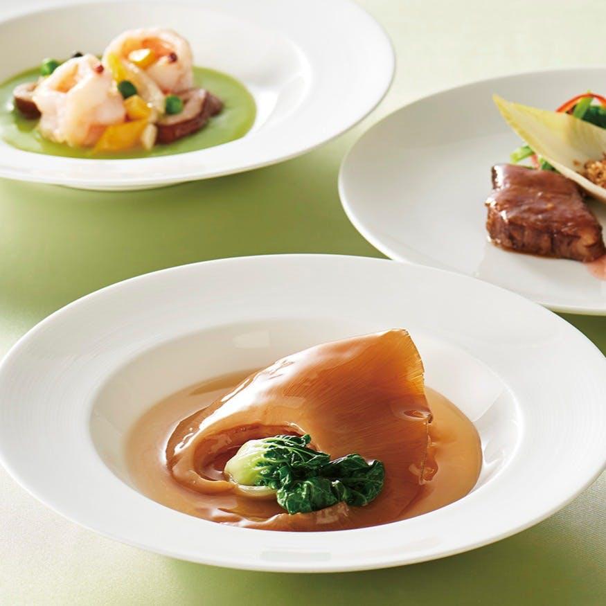 ご家族のお祝い事や宴会を華やかに彩るコース料理