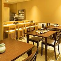 京都の風情漂う木屋町通に佇む割烹料理店