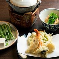 老舗の技が光る稀有な鱧料理や江戸前天ぷらも魅力