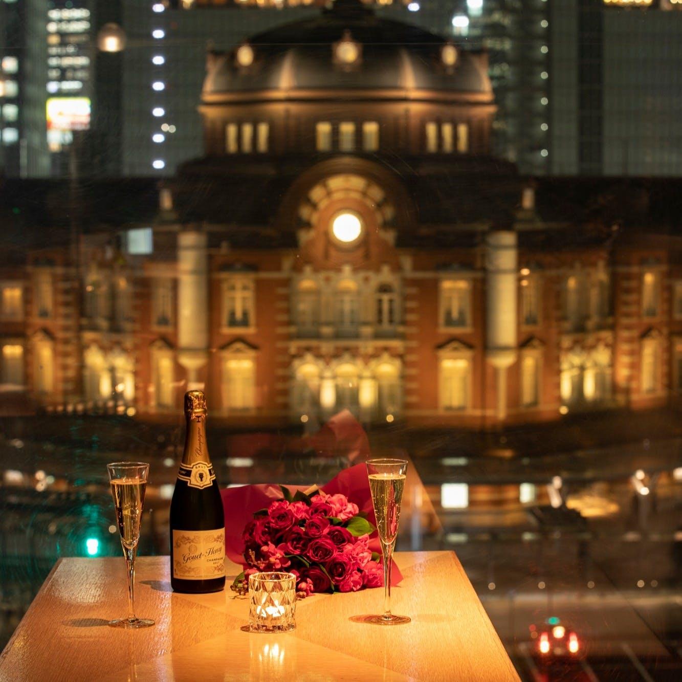 東京駅直結 東京駅を望める窓際BOX席は特別な日のお食事に最適