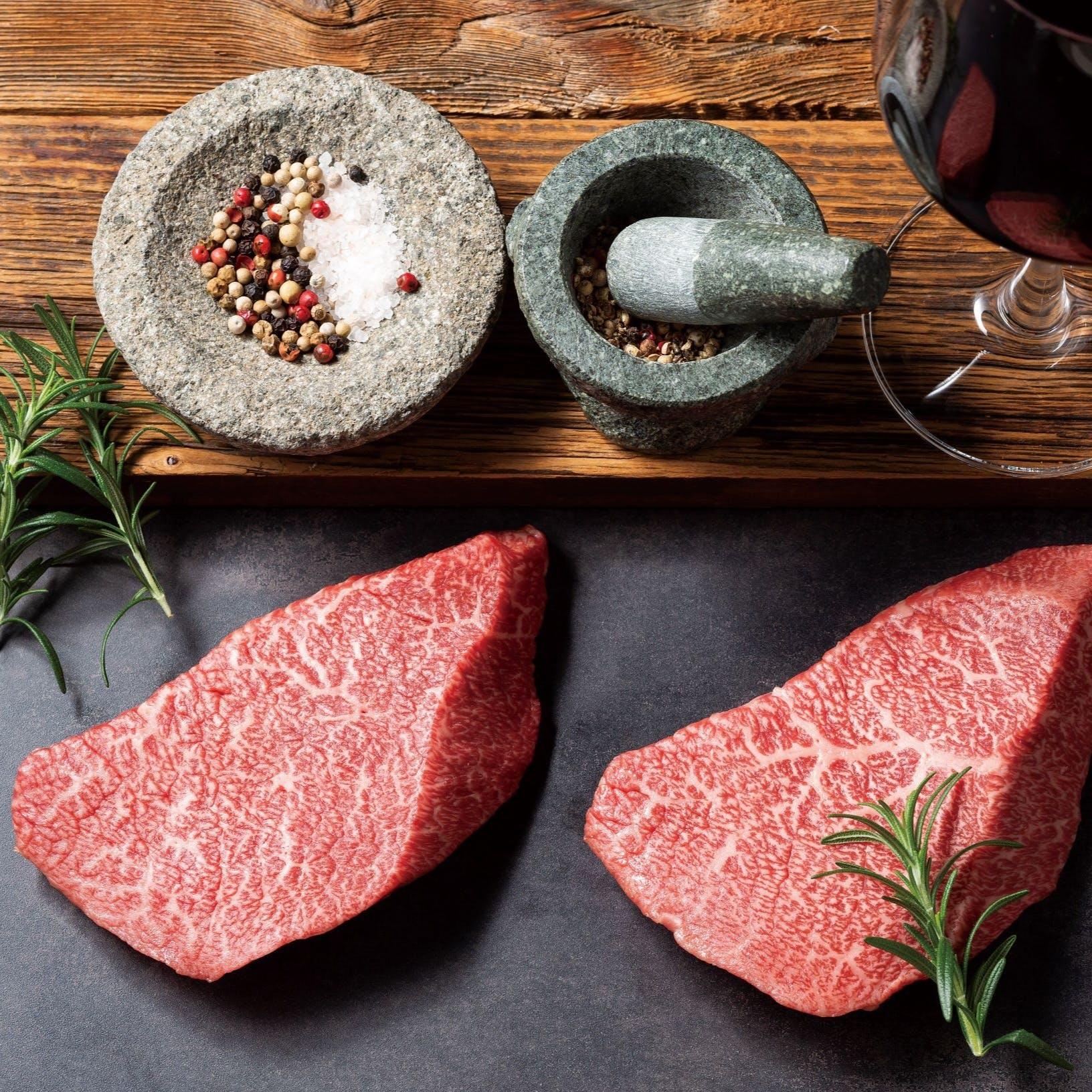 【全室完全個室】日本一の称号を得たA5黒毛和牛をヒマラヤ産の岩塩でご堪能ください