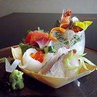 石垣島の新鮮な地魚と築地直送のネタで本格的な江戸前寿司をお届け