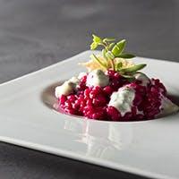 イタリアンにガストロノミックの要素を組み合わせたアートな料理