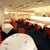 格調高い資生堂による正統派フランスレストラン