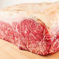熟成肉と朝摘み野菜が魅力のネオ・ビストロ料理