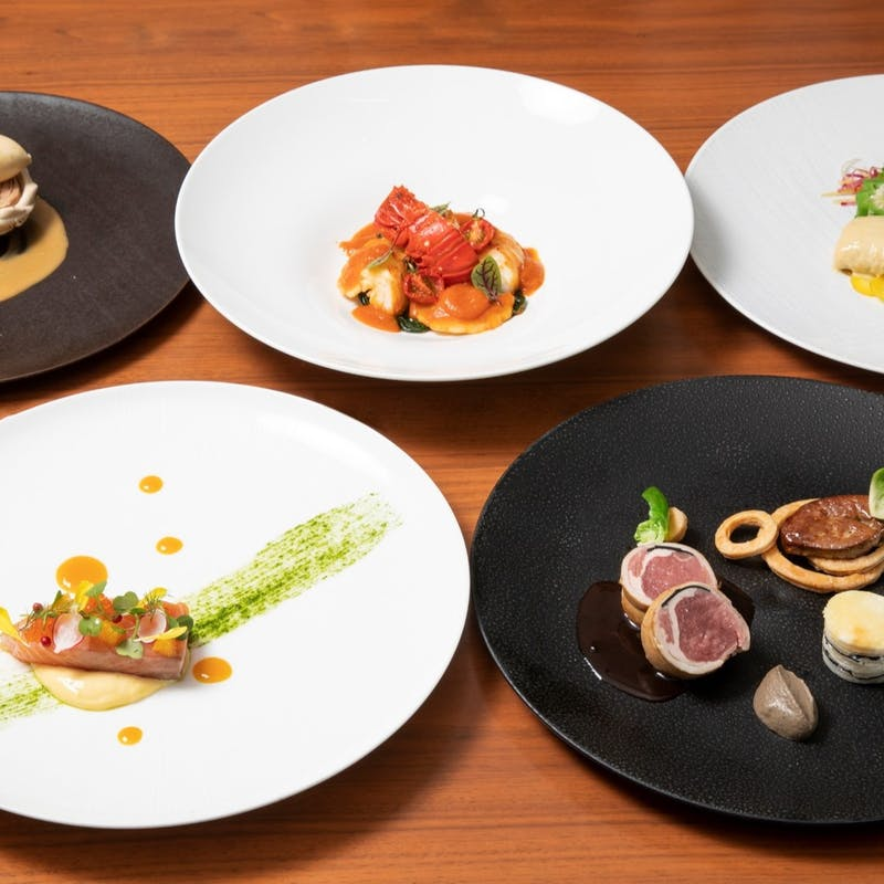 【Oasis】Wオードブル・魚&肉料理の全6品+選べる1ドリンク(窓確約)