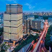 ホテル最上階の「空中庭園」からの眺望をお楽しみください