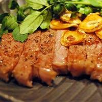 極上黒毛和牛や自慢のお好み焼きをはじめ、気取らない大阪の鉄板焼を銀座で堪能