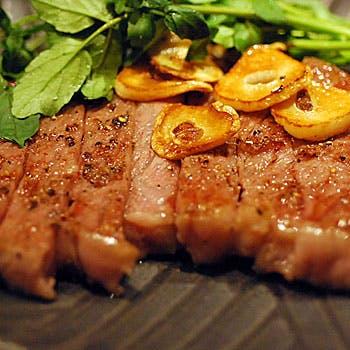 厳選した黒毛和牛のサーロインや国産野菜
