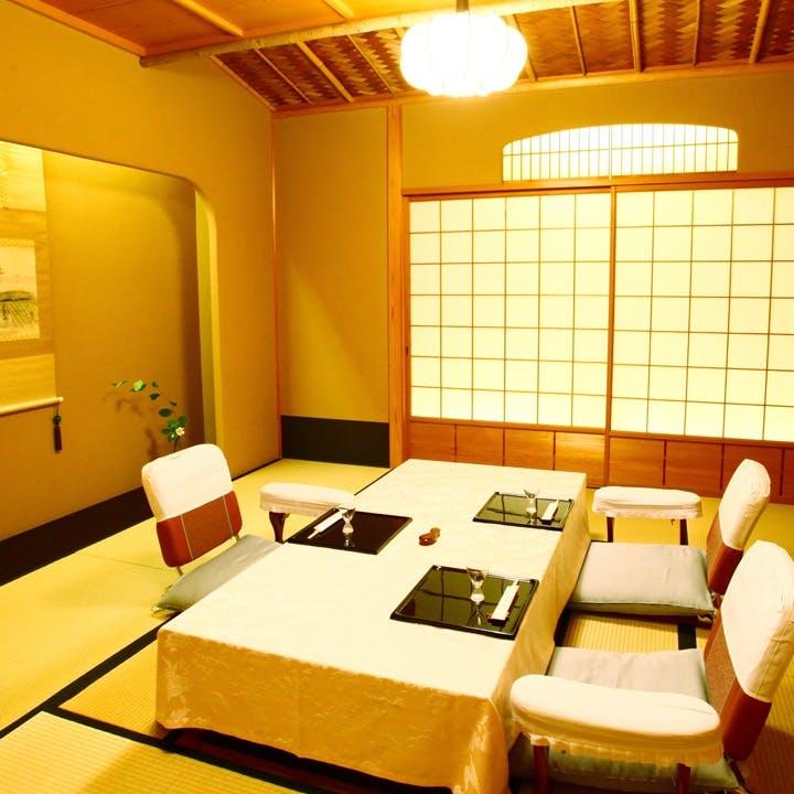 木と畳の香り漂う純和風・数寄屋橋造りの完全個室は5部屋