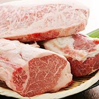 極上黒毛和牛や自慢のお好み焼きをはじめ、気取らない大阪の鉄板焼を堪能