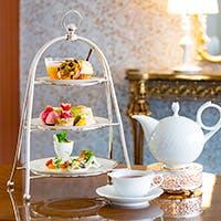 四季を感じるスイーツや英国の高級紅茶ブランドなど各国の紅茶も味わえる豊富なメニュー