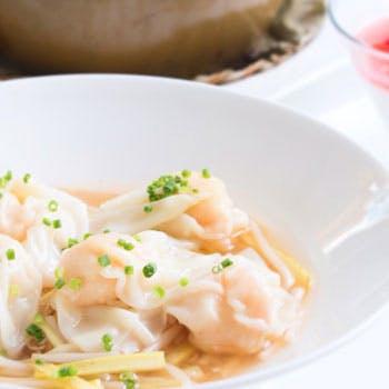 【牡丹】北京ダックや桜エビの炒飯など 全8品+2ドリンク+食後のカフェ(タイムセール)