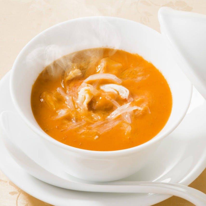 是非味わっていただきたい、名物「うにとフカヒレのスープ」