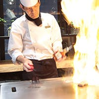 鉄板焼きで味わう肉と海鮮は格別 厳選食材を贅沢に使用したコースも多数ご用意