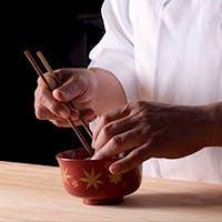 北大路グループは総括料理長監修の下、四季折々の会席料理をご提供しております