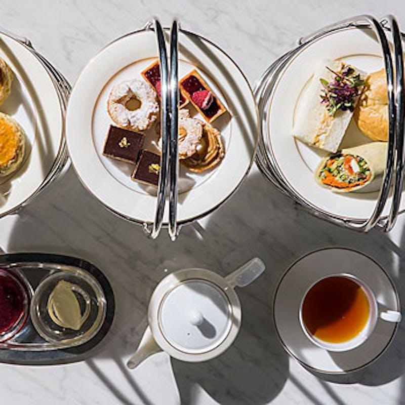 【SIGNATURE AFTERNOON TEA】+乾杯スパークリング