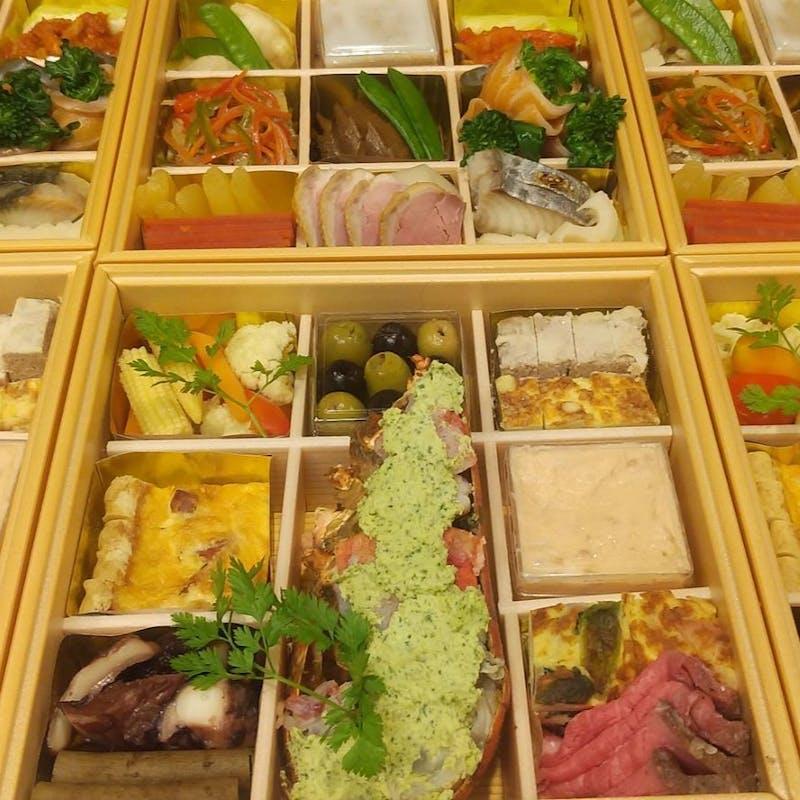 【お正月オードブル重2022】50個限定!フレンチ懐石料理屋のおせち(3~4人前)(配送プラン)
