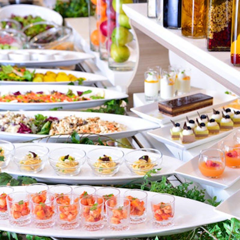 【平日ランチブッフェ】シェフ一押しメニューからデザートまで食べ放題+選べる1ドリンク