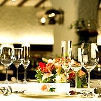 美しいスペイン風インテリア お城の晩餐会にいるような雰囲気
