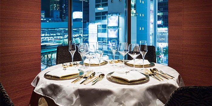 記念日におすすめのレストラン・過門香 新橋店 -Gold Fin-の写真1