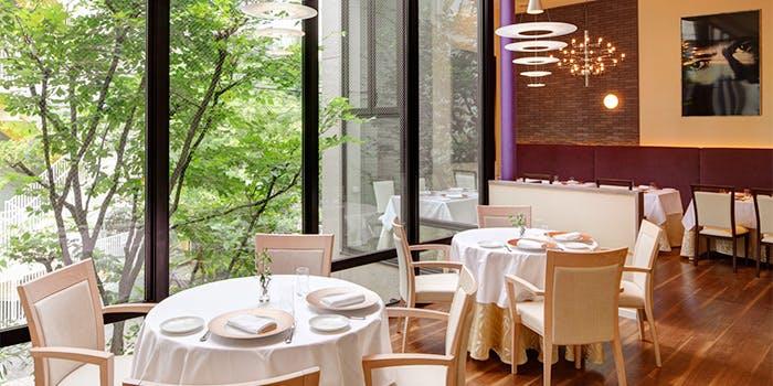 記念日におすすめのレストラン・CHEZ TAKA HIGASHI AZABUの写真1