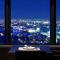 ホテル最上階から関西国際空港を見下ろす抜群のロケーション