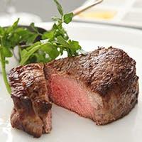 US産ブラックアンガス牛の最上級プライムクラスを使用し、侍が包丁で創り出す世界を堪能