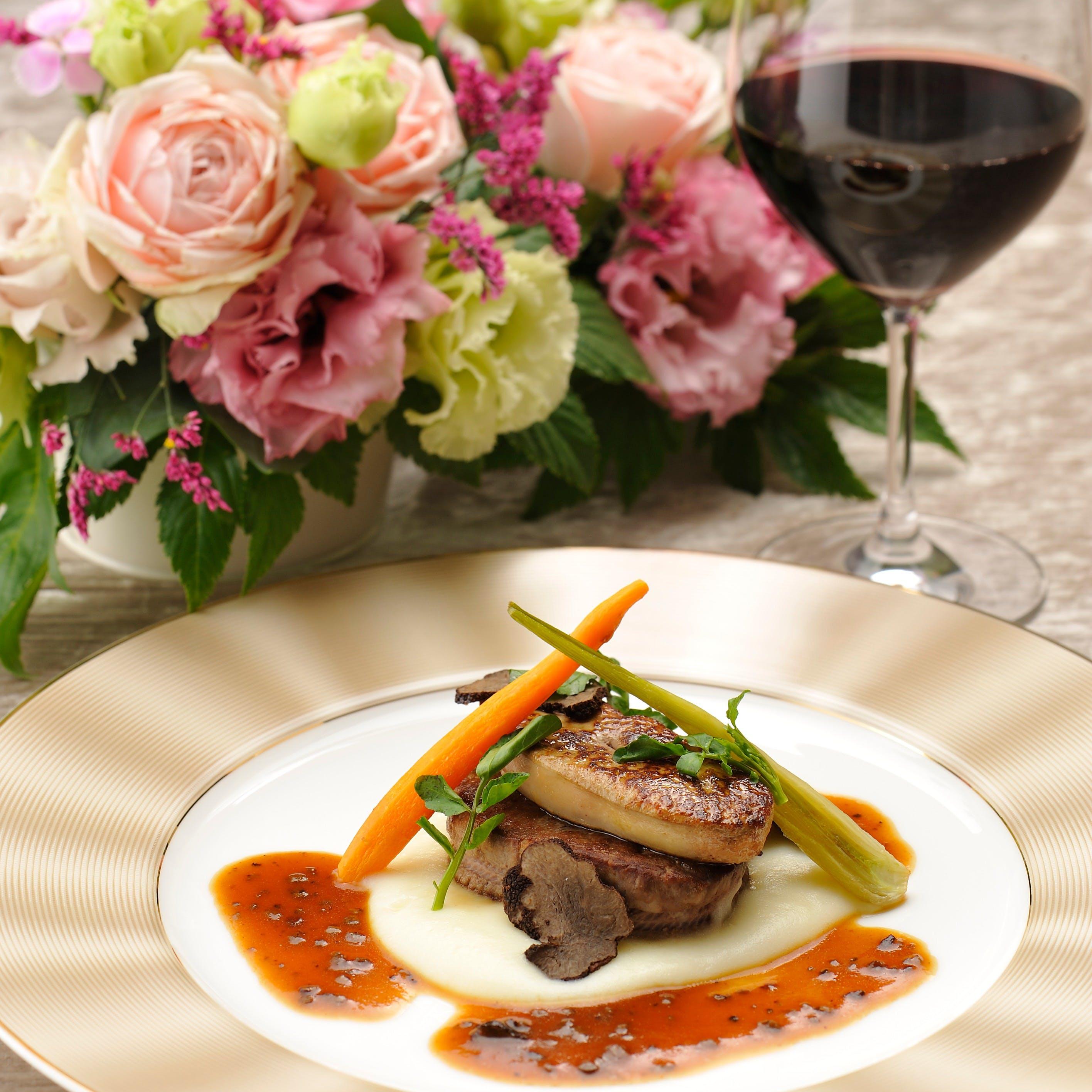 クラシカルホテルの伝統フレンチ。四季を楽しむフレンチとワイン