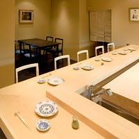 和とモダンが融合した恵比寿の一軒鮨屋