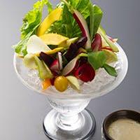契約農家直送の新鮮な野菜料理と極上のパスタ、上質なブランド肉の競演をお愉しみください